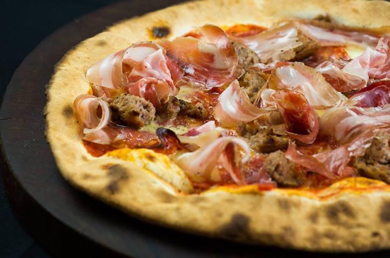 niseko-restaurants-niseko-pizza-03