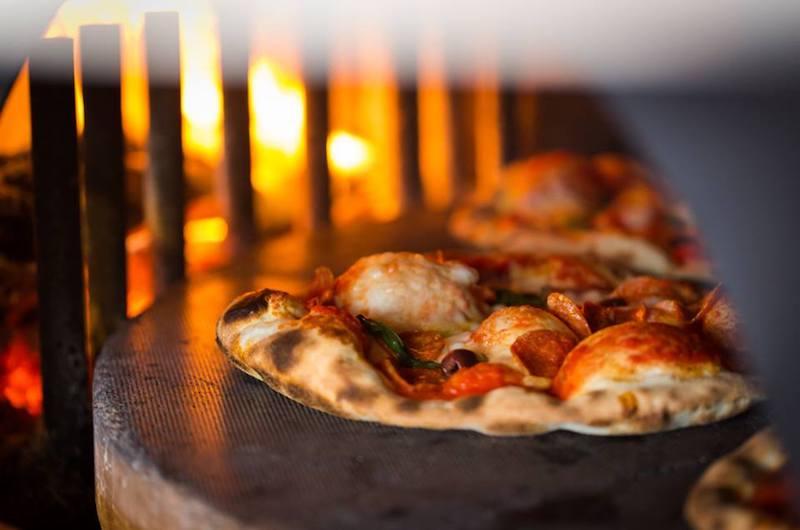 niseko-restaurants-niseko-pizza-06
