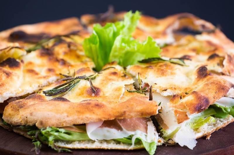 niseko-restaurants-niseko-pizza-07