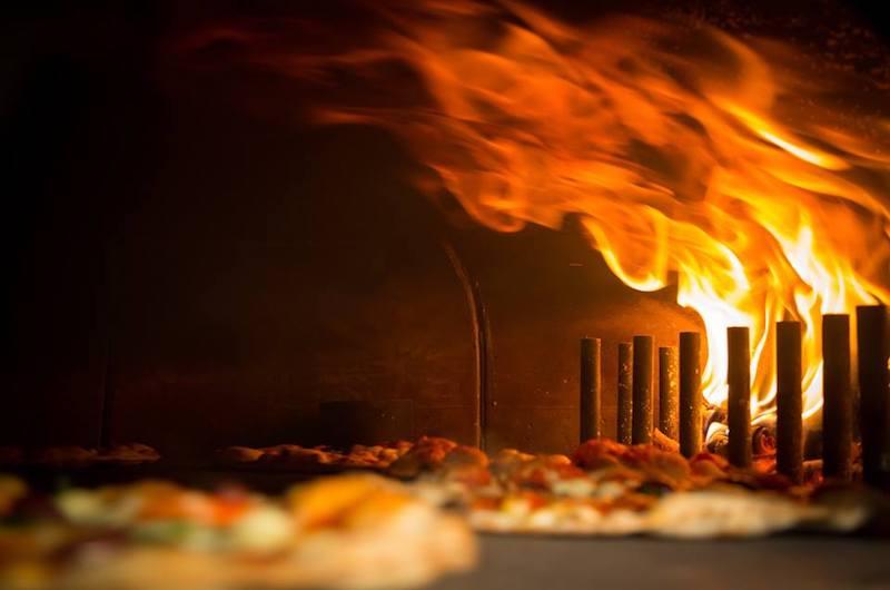 niseko-restaurants-niseko-pizza-11