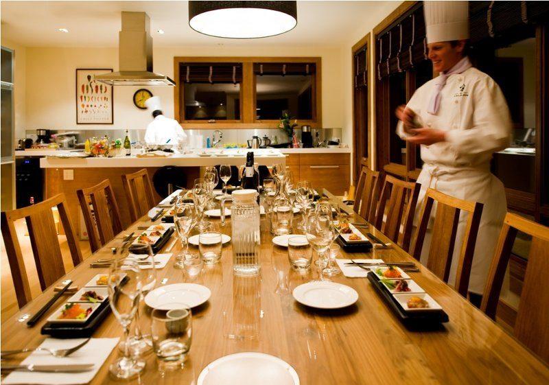Annabel Dining with Crockery | Izumikyo 2