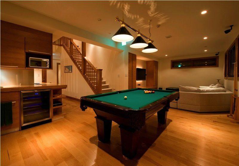 Annabel Billiard Table with Wooden Floor | Izumikyo 2