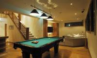 Annabel Billiard Table at Night | Izumikyo 2