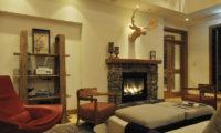 Annabel Indoor Seating Area near Fireplace | Izumikyo 2