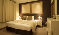 Annabel Bedroom with Table Lamps | Izumikyo 2