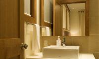 Annabel Bathroom | Izumikyo 2