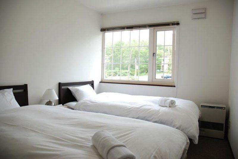 Asuka Apartments Twin Bedroom | Lower Hirafu Village