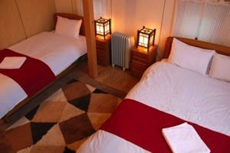 Captain Hirafu Twin Bedroom with Wooden Floor | Middle Hirafu