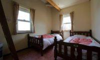 Shizenkan Lodge Twin Bedroom | East Hirafu