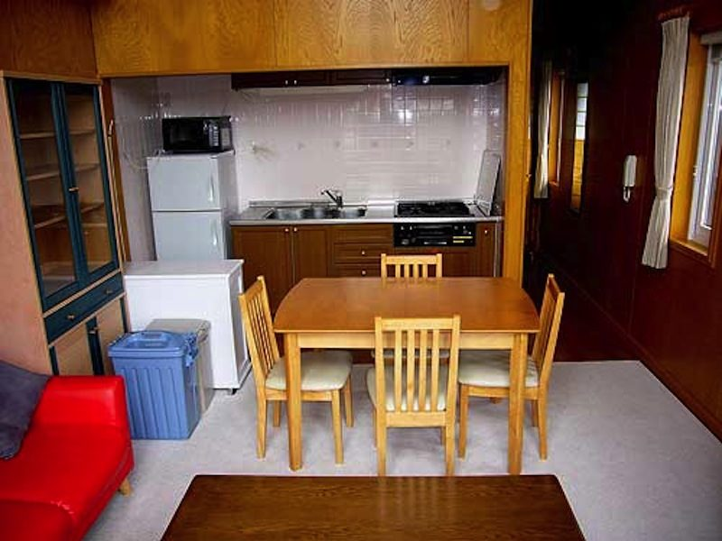 Tirol Apartments Kitchen and Dining Area | East Hirafu