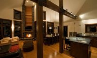 Eliona Kitchen and Dining Room | Lower Hirafu Village