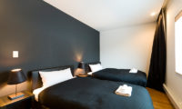 Forest Estate Bedroom with Twin Beds   Middle Hirafu