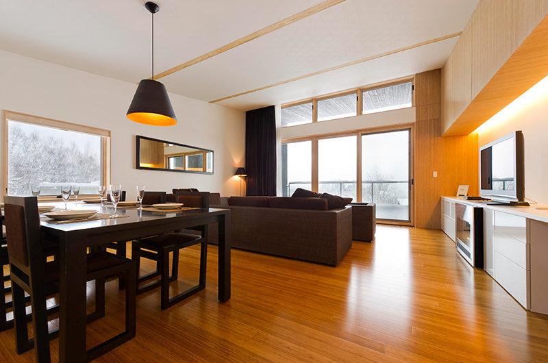 Forest Estate Living and Dining Area   Middle Hirafu