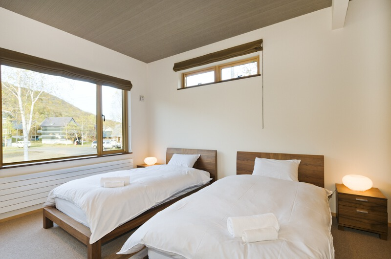 Niseko Hana and Jo Twin Bedroom | East Hirafu