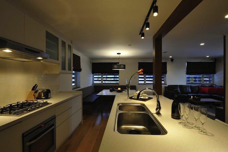 Karamatsu Kitchen Area | Middle Hirafu