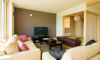 Oak Ridge Living Area with TV | East Hirafu