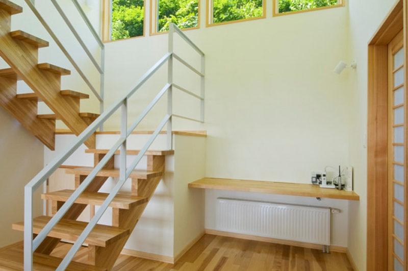 Oak Ridge Up Stairs | East Hirafu