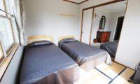 Ramat Niseko Twin Bedrooms with Mirror | East Hirafu