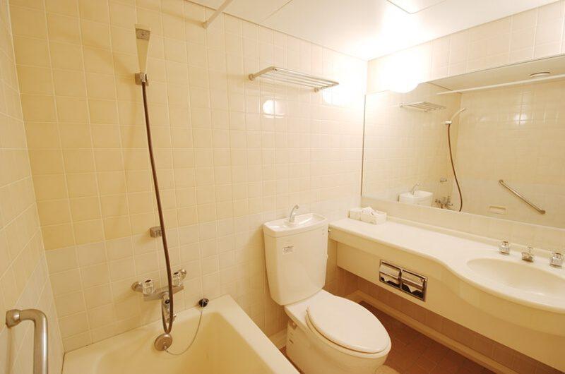 Ramat Niseko En-Suite Bathroom with Bathtub | East Hirafu