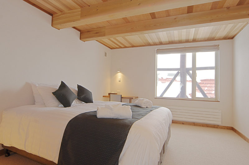 Shirayuki Lodge Bedroom with Window | East Hirafu