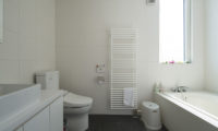 Ummei Bathroom with Bathtub | Lower Hirafu
