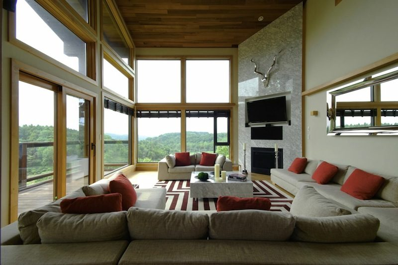 Zekkei Spacious Living Area with TV | Lower Hirafu