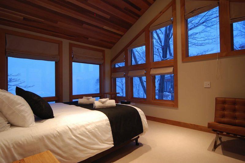 Zekkei Bedroom with Seating Area | Lower Hirafu