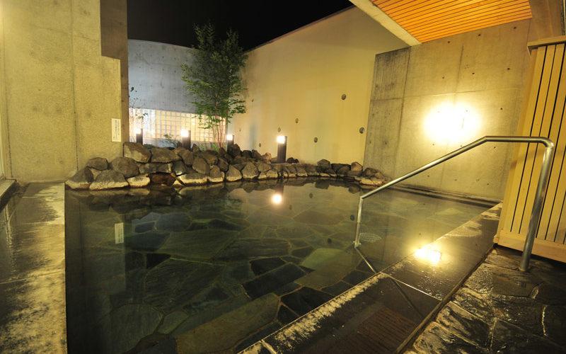 niseko-alpen-bedrock-sauna-01