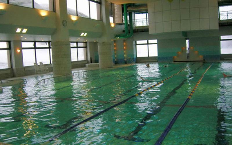 niseko-alpen-hotel-pool-01