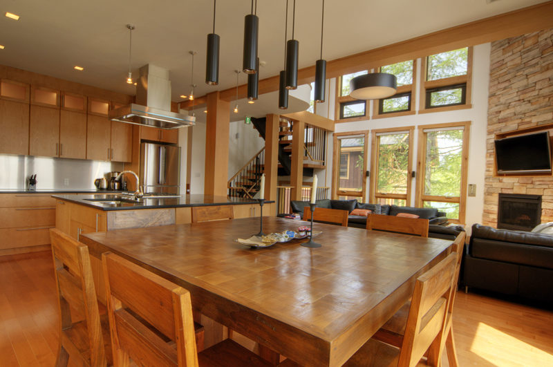Asahi Lodge Kitchen and Dining Area with Wooden Floor | Izumikyo 3