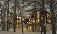 Asahi Lodge Outdoor Area with Snow | Izumikyo 3