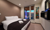 Big Valley Bedroom with Carpet | Lower Hirafu