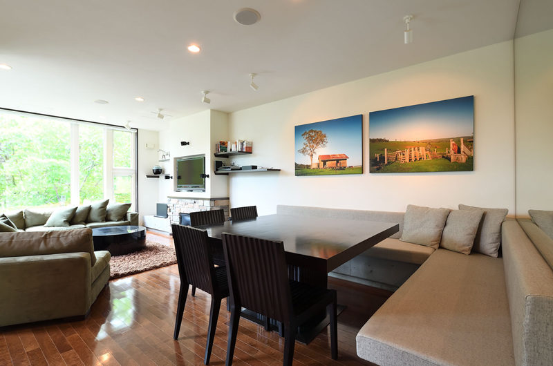 Big Valley Living and Dining Area | Lower Hirafu