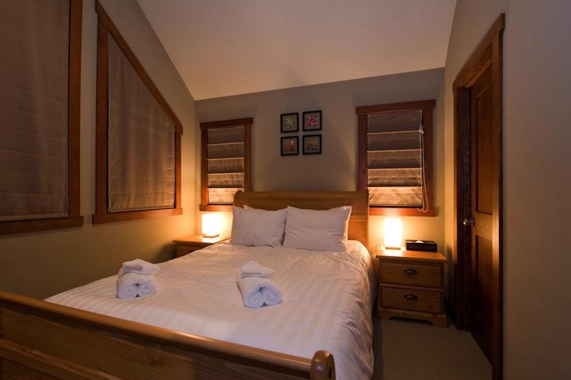 Niseko Creekside A Bedroom | East Hirafu