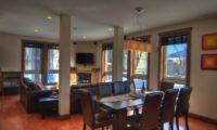 Gouka Lodge Bondi Living and Dining Area | Lower Hirafu