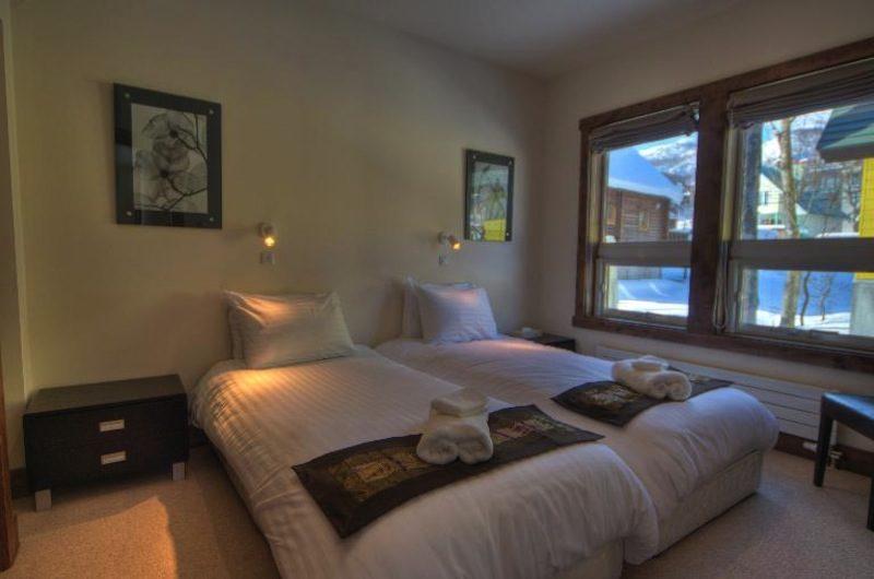 Gouka Lodge Bondi Bedroom with Twin Beds | Lower Hirafu