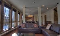 Gouka Lodge Bondi Living Area   Lower Hirafu