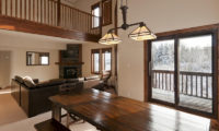 Ishi Couloir Ishi Couloir B Living and Dining Area | East Hirafu