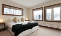 Ishi Couloir Ishi Couloir C Bedroom with Windows | East Hirafu