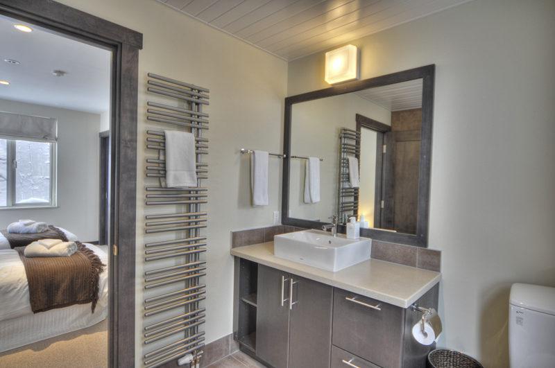 Konayuki Bedroom and Bathroom | Middle Hirafu
