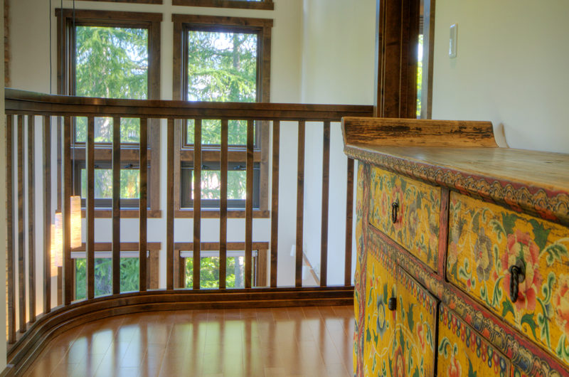 Mangetsu Lodge Balcony | East Hirafu