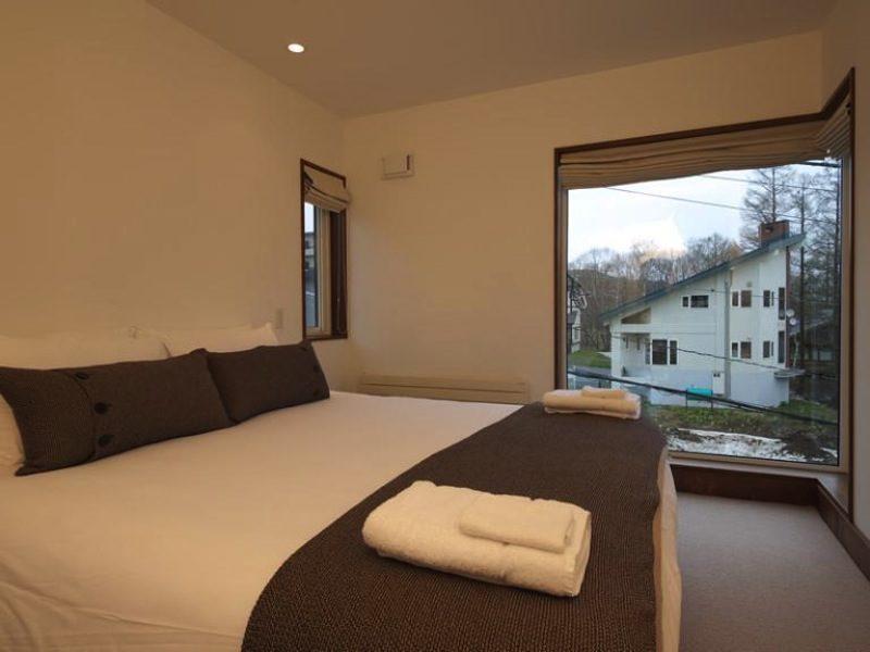 Miyuki Bedroom with Outdoor View | Middle Hirafu