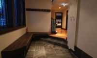 Mojos Entrance with Seating Area | Lower Hirafu