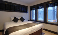 Mojos Bedroom with Outdoor View | Lower Hirafu