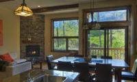 Old Man Creek Dining Area | East Hirafu