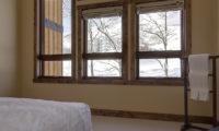 Old Man Creek Bedroom with Windows | East Hirafu