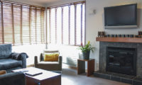 Seizan Living Room near Fireplace | Middle Hirafu