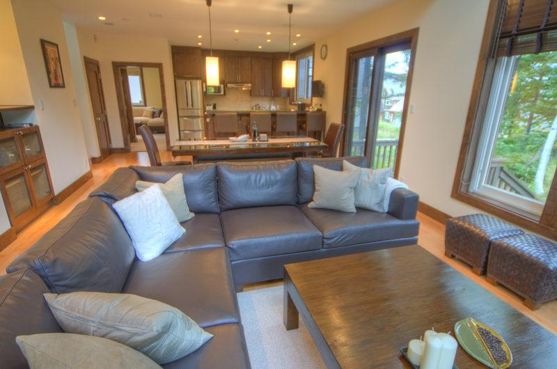 Shika Living Area | East Hirafu