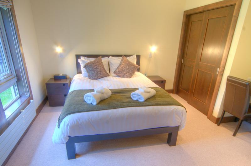 Shika Bedroom | East Hirafu