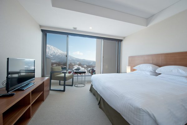 Shiki Niseko King Size Bed with TV | Upper Hirafu